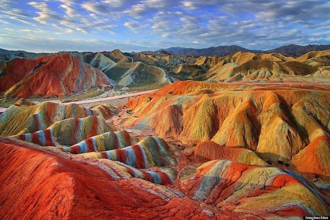 Геологический парк Чжанье Данксия в Китае