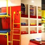 Комната и часть хола в хостеле Yesinn Causeway Bay