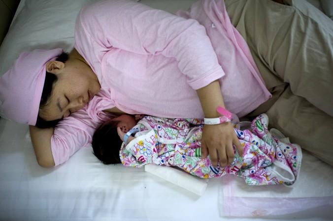 кормление малыша грудью