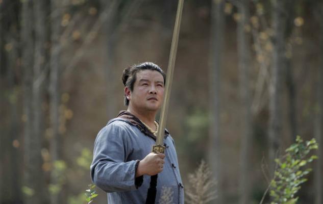 Менеджер с мечом. Источник: shanghaiist.com