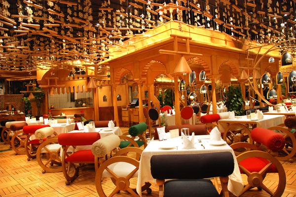 Интерьер индийского ресторана Tandoor