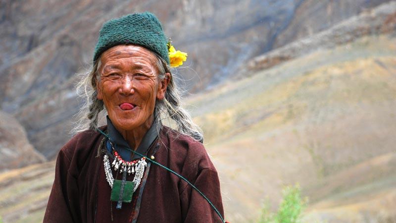 Традиционное приветствие в Тибете