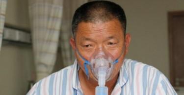 Этот китаец выкуривал по 2 пачки сигарет в день и теперь лечится от рака легких Источник www.smh.com.au