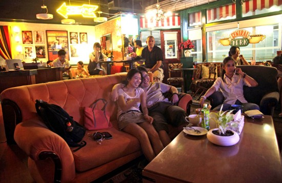 Central Perk в Пекине  Источник www.urbanpeek.com