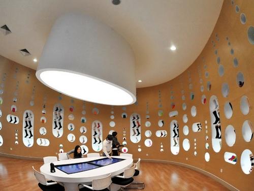 Если есть музей шляп, то должен быть и музей носков! Источник: cits.net