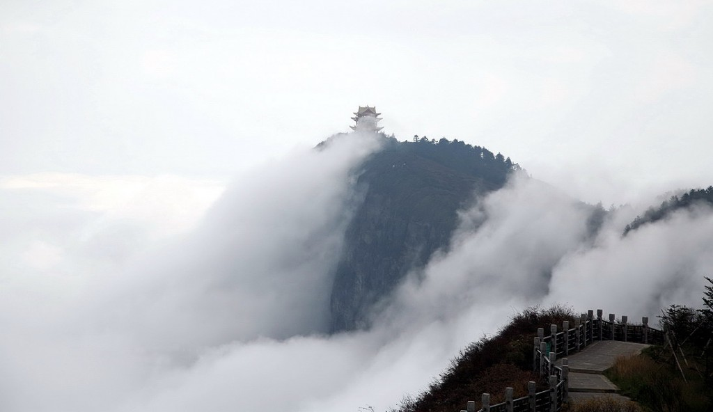 Горы Эмэйшань. Источник: china-tour.cn