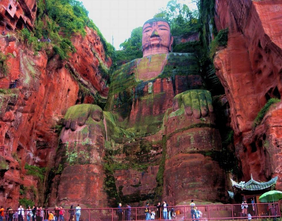 Лэшаньский Большой Будда. Источник фото - hqwalls.org