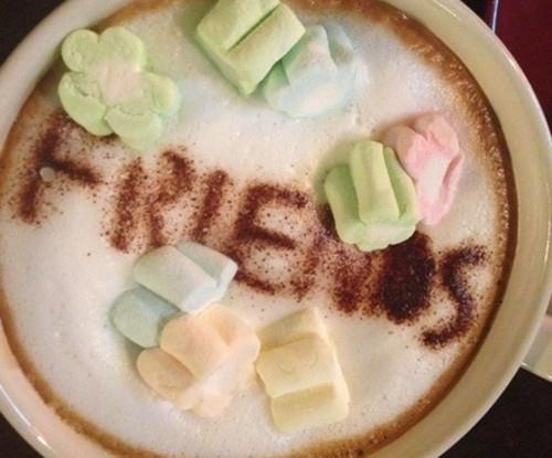 Такой кофе вам сделают в пекинском Central Perk www.english.visitbeijing.com.ua