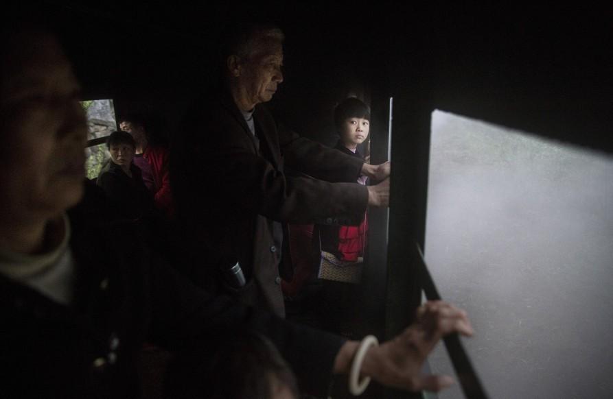 Внутри вагона паровоза. 28 марта 2015. Провинция Сычуань. Источник: huffingtonpost.com