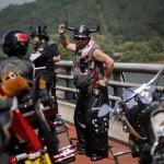 Китайский байкер жжет