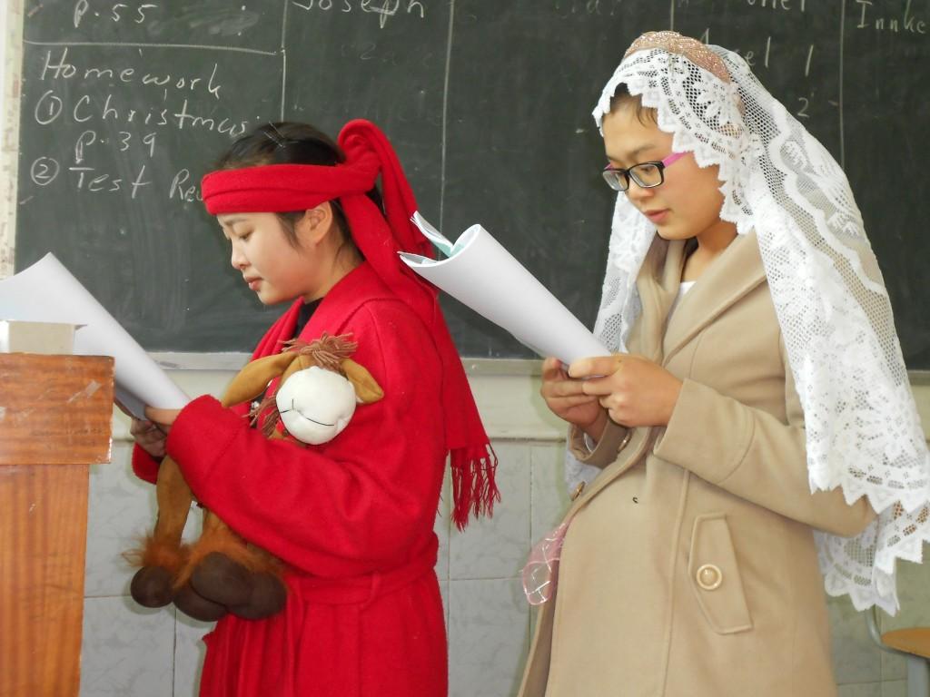 Китаянки-христианки перед Рождеством. Источник: connieinchina.org