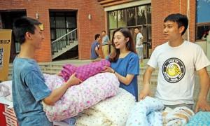 По словам Сяо Лэй, корейская студентка нравилась ему целых 3 года. Источник: en.people.cn