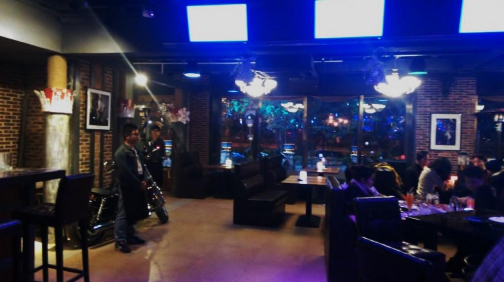 В байкерском баре у Миши