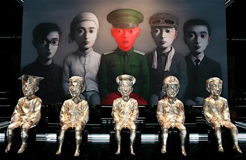 Работы современных китайских художников, таких как Чжан Сяоган, продаются за миллионы. Источник: Jing Daily