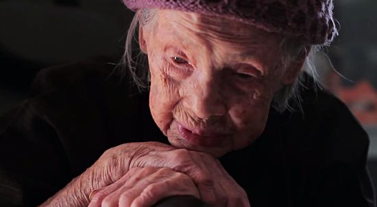 Кадр из фильма о Деревне долголетия. Источник: YouTube