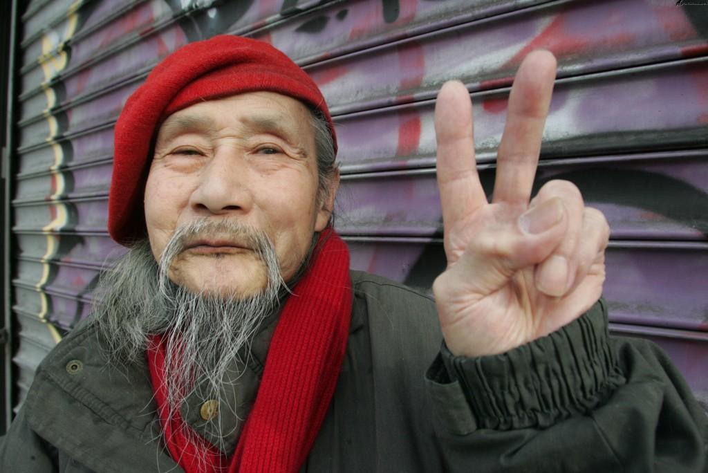 Китайцы обожают говорить про политику! Источник: apachan.net