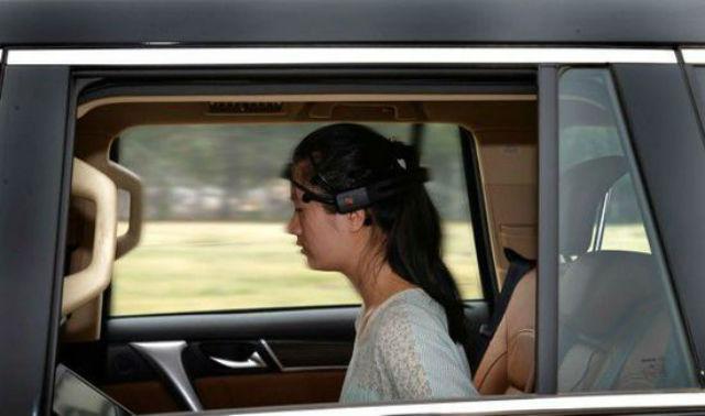 Завести двигатель, ехать и тормозить можно при помощи силы мысли. Источник: shanghaiist.com