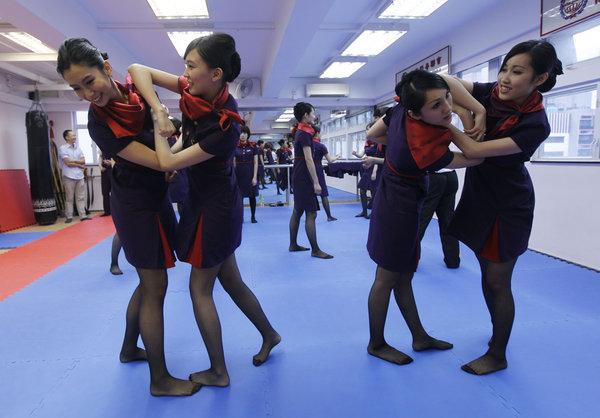 обучение стюардесс в Гонконге