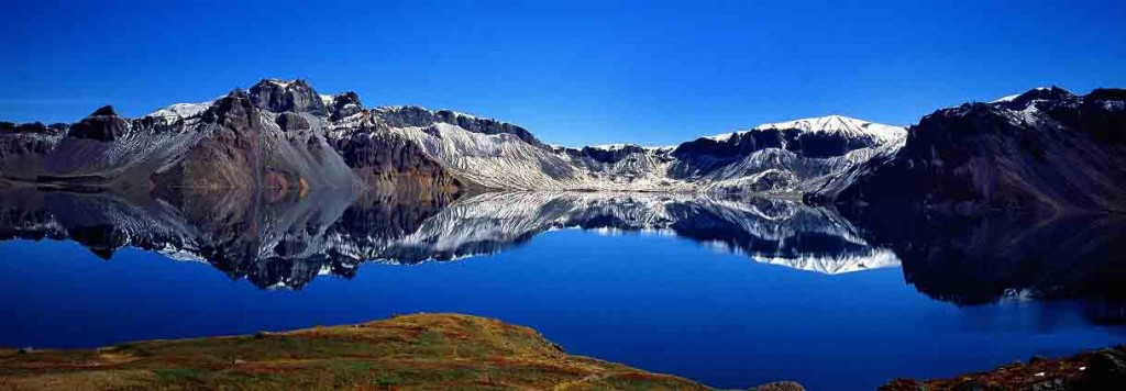 Панорама Небесного озера. Источник: absolutechinatours.com
