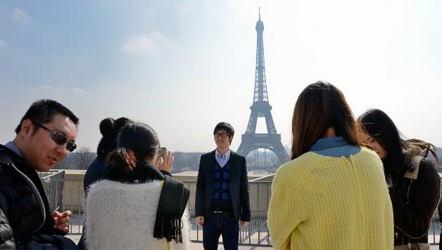 Китайские туристы в Париже. Источник: www.cnn.com