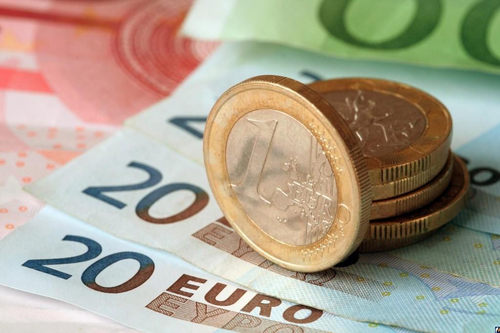 Порог беспошлинного ввоза пока составляет тысячу евро