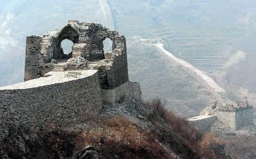 Разрушенные участки Великой стены никогда не удастся реконструировать. Источник: en.people.cn