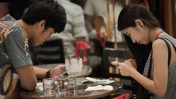 Во всем виноваты социальные сети? Источник: chinadaily.com.cn