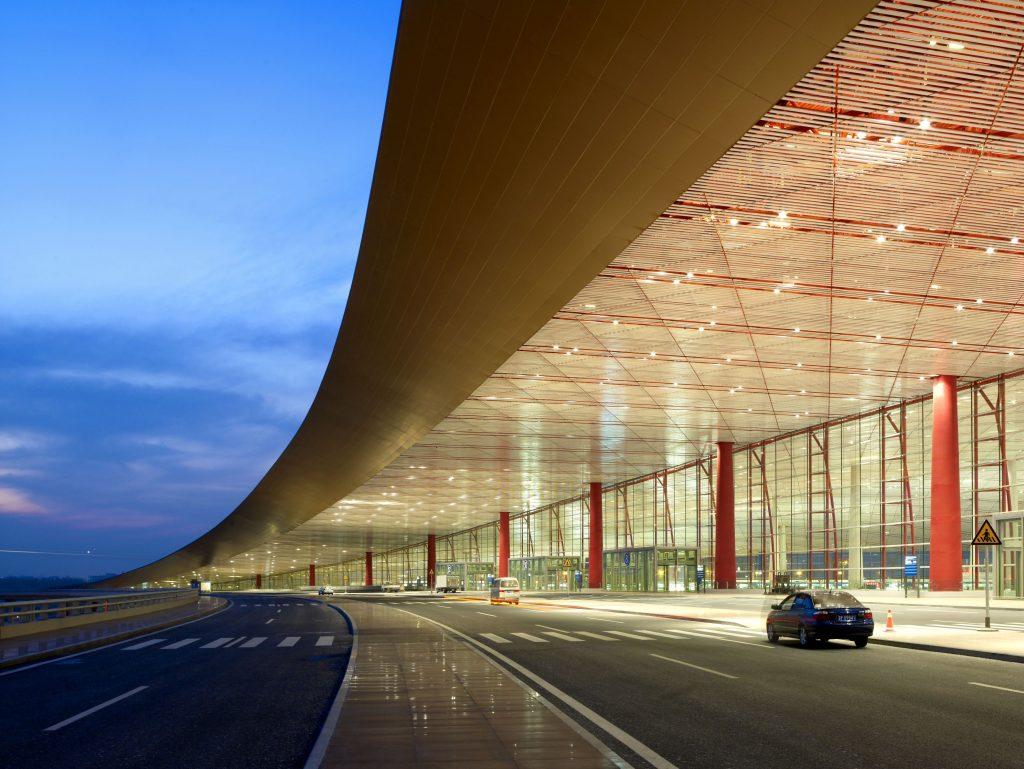 Вход в Терминал 3. Источник: openbuildings.com