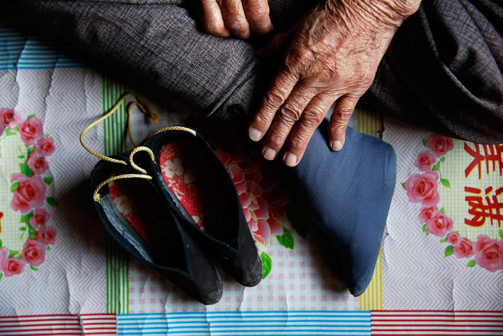 Она не могла бежать из-за китайского бинтования ног. Источник: ibtimes.co.uk