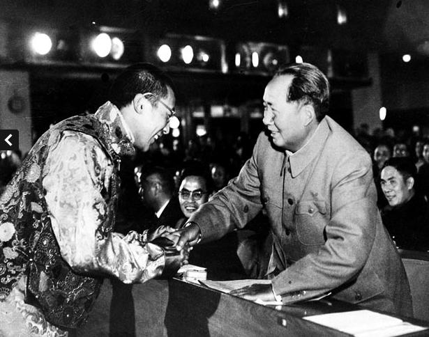 Далай-лама и Мао Цзэдун. Источник: www.telegraph.co.uk
