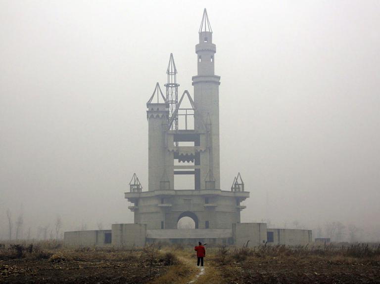 Китайский Диснейленд - скоро тут будут десятки тысяч посетителей. Источник: news.nationalgeographic.com