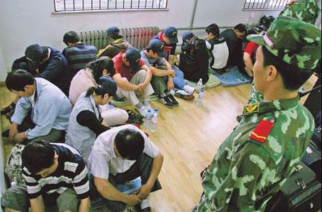 Китайские СМИ постоянно сообщают об аресте и депортации нелегалов. Источник: www.chinadaily.com.cn