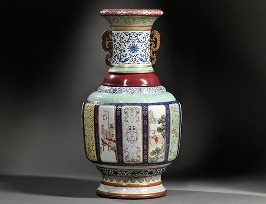 Большая фарфоровая ваза, которую аукционный дом Skinner Auctioneers в Бостоне продал за 24 млн долларов. Источник: skinnerinc.com