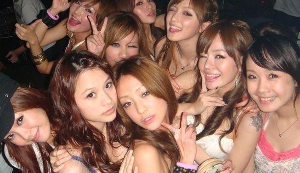 """""""Девочки"""" Шанхайского KTV. Источник: www.shanghaistuff.com"""