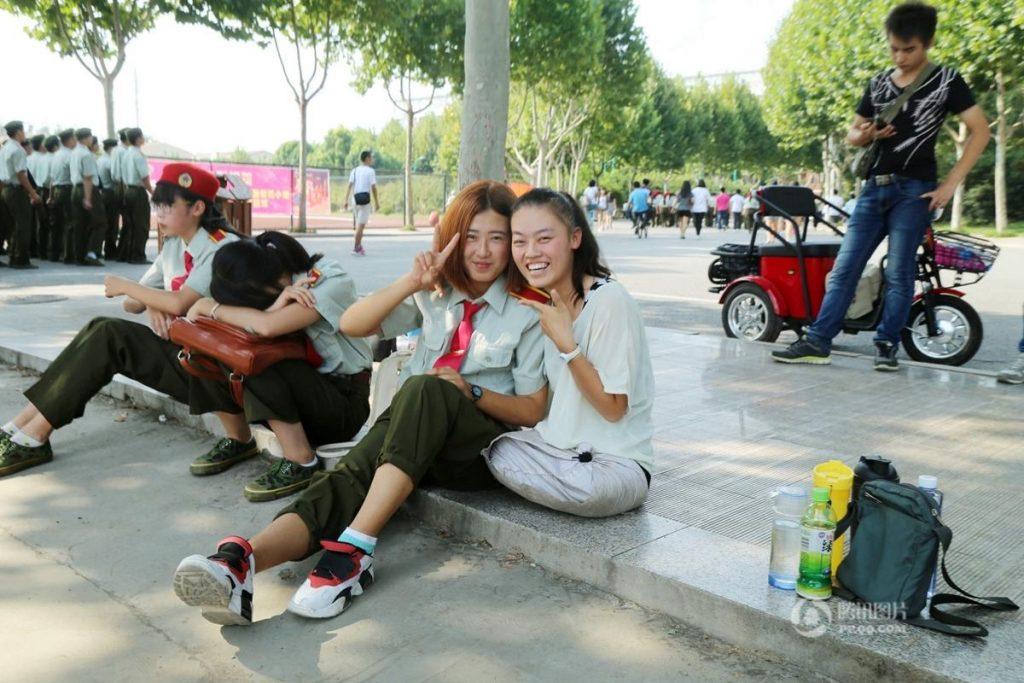 Она сделала все, чтобы поступить в колледж. Источник: shanghaiist.com