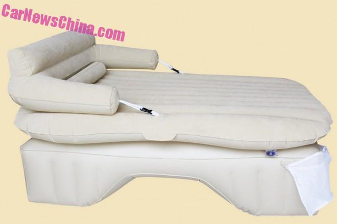 """""""Скучный"""" вид автомобильной кровати. Источник: carnewschina.com"""