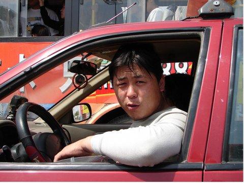 Типичный китайский водитель. Источник thelibertarianrepublic.com