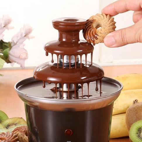 Домашний шоколадный фонтан. Источник: aliexpress.com