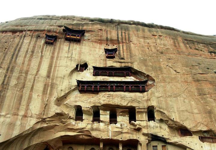 Этим храмам на склонах уже 1500 лет. Источник: www.easytourchina.com