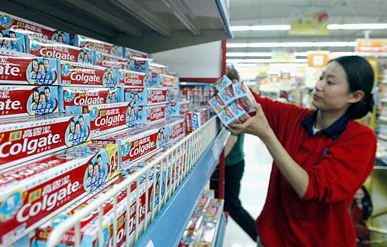 """""""Colgate"""" дословно переводится как """"Обнажать абсолютную чистоту"""". Фото bloomberg.com"""