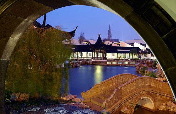 Этот китайский сад сделан без использования гвоздей. Фото: Новозеландско-китайское чудо. Фото: Этот сингапурский китайский сад самый крупный в мире! Фото: Китайский сад в Сингапуре создан по всем канонам лучшими китайскими мастерами. Фото: theworldofchinese.com