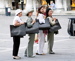 gucci_shoppers