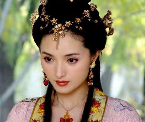 Чжан Ланлан в роли Чэнь Юаньюань в сериале «Повесть о горах и реках» (2003). Источник: tour.66wz.com