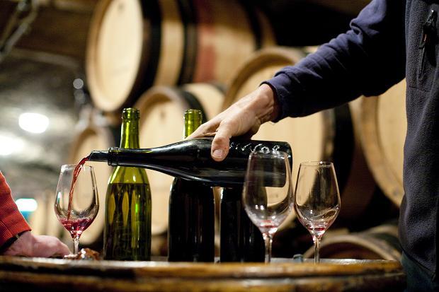 Вкуснее ли французского китайское вино? Это нам еще предстоит выяснить! Фото: Отдельная тема для разговора поддельный винный контрафакт в Китае. Фото: winespectator.com