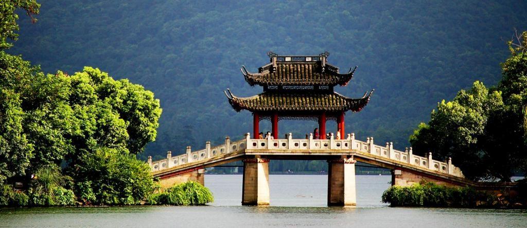 Мост в Ханчжоу. Фото via zicasso.com
