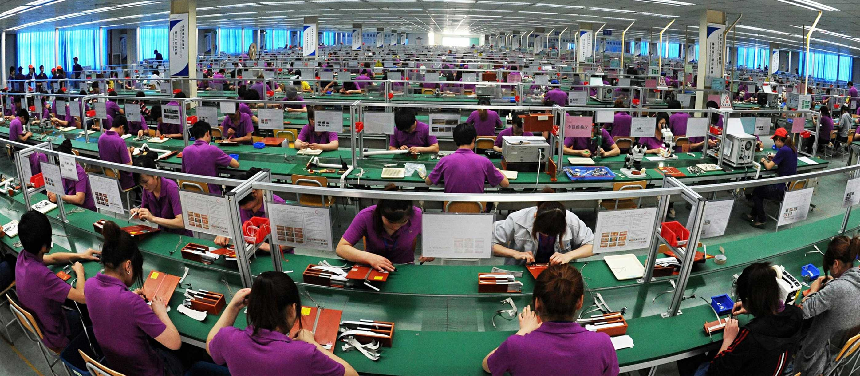 Chinese workers collect american goods