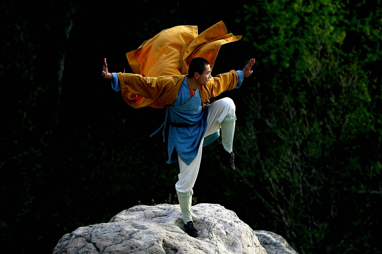 Шаолиньские монахи готовы научить боевым искусствам всех желающих. Фото: cheaptrip.livejournal.com