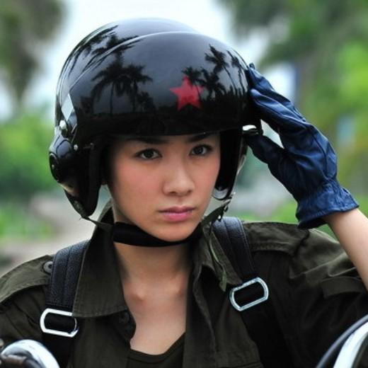 Брутальный шлем — лучший вариант для китайских дорог