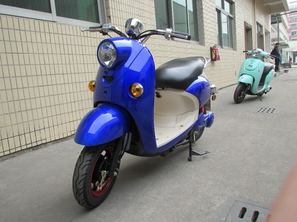 Популярный скутер Vespa-style от компании Yatian
