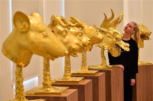 """Знаменитые скульптуры из проекта """"Зодиак"""" Ай Вэй Вэй. Фото: artsy.net"""